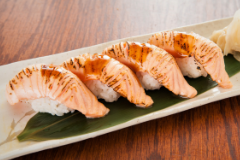 Aburi Salmon - 4pcs